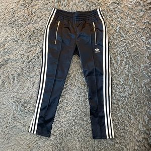 ADIDAS NAVY TRACK PANTS - NWOT - XS!
